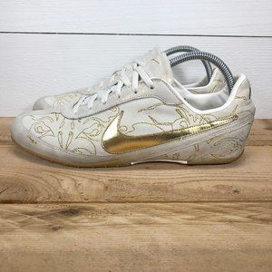 Women's Nike Possession Low sneakers - size 10